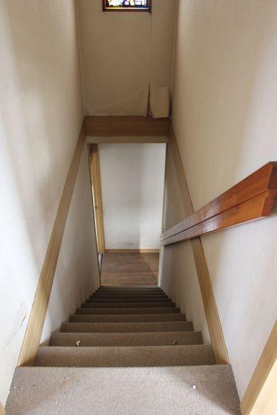 S様邸階段ビフォアー